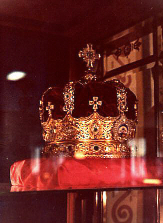 CROWN OF THE QUEEN OF QUEENS