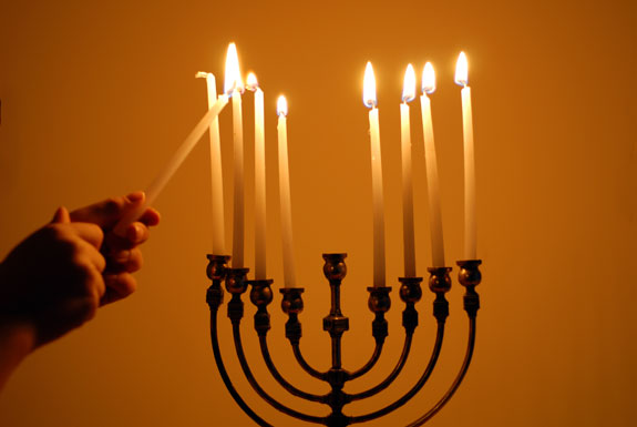 lighting-the-menorah